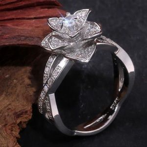 💍NEW 925 STERLING SILVER DIAMOND HALO RING💍